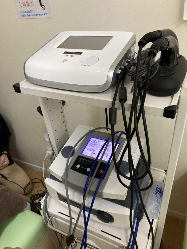 ハイボルテージ1と3M超音波治療器